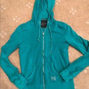 cd6cce429a6b ... Sweatshirt VS Zip Up Hoodie